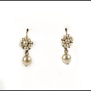 Jewelry - Vintage Pearl Earrings